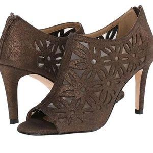 🌹VANELI floral lasercut brown Heels SZ 8.5 NEW